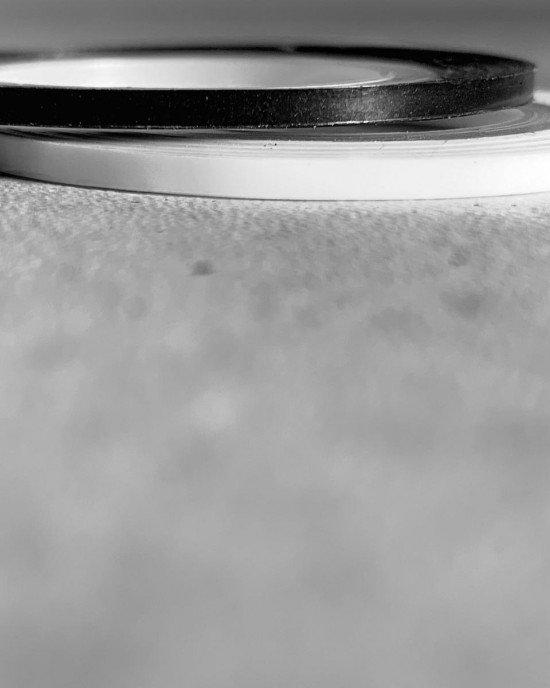 Лента клейкая трафарет белая 2 мм